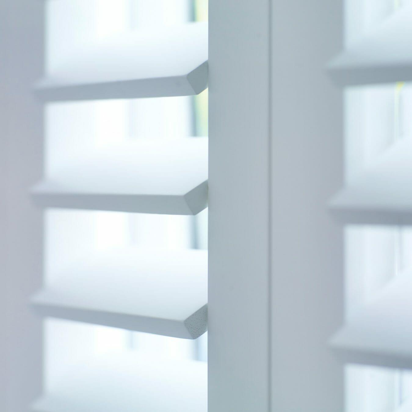 Piet Boon shutters by Zonnelux witte lamellen